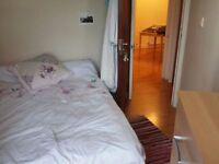 B Cheap bright double room!! Good position