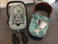 Mamas&papas fox carrycot and maxi cosi car seat with adapters for urbo2 pram
