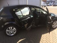 Vauxhall Astra sxi black 5 door alloy wheels mot till December mint condition no advisories