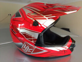 Youth's motorcycle helmet sixze 54 (youth XXL) in excellent condition used tewice only