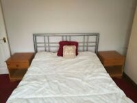 Spacious double room, bills included - Available Immediately