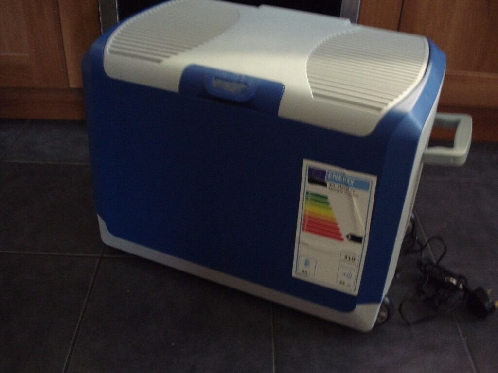 Camping Electric Cool Box 40L Storage Coolbox Cooler Car Portable Fridgein Bournemouth, DorsetGumtree - Camping Electric Cool Box 40L Storage Coolbox Cooler Car Portable Fridge 40 Litre Mains and 12V & 24V Electric Coolbox 40 Litre Mains and 12V & 24V Electric Coolbox can be powered either from 240V mains or by a 12V in car or 24v in truck cigarette...
