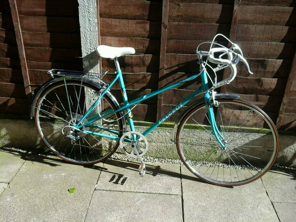 retro ladies peugeot riviera, ,road bike, 700 wheels, mudgaurds