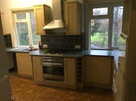 3 month only rental 1 bedroom second Flat in Bushey village.