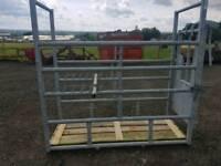 Iae economy cattle crush in excellent condition farm livestock tractor