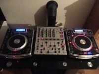Behringer djx700 mixer and Numark ndx800 cdj's