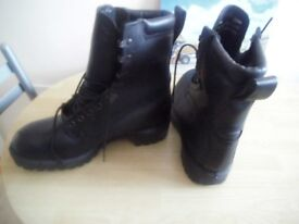 NEW BOOTS SIZE 7, STEEL TOECAP, AND GORE-TEX .