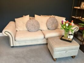 4 seater sofa - chesterfield style, brilliant condition