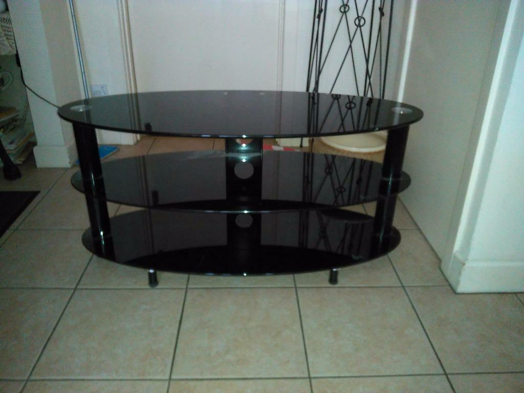 Glass tv stand in clevedon somerset gumtree for 200mm wide kitchen unit