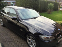 "BMW 320d Efficient Dynamic with FSH, Pearlescent Black paintwork, 16""Alloys, Ivory leather interior."