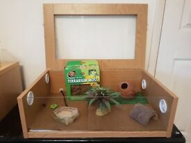 Full Vavarium Set-Up with Accessories - Ideal for Leopard Gecko or small reptiles