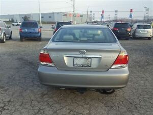 2006 Toyota Camry LE - FREE NEW WINTER TIRE PACKAGE INCLUDED London Ontario image 5