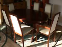 Excellent Mahogany extendable table and Six Chairs