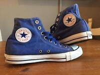 Converse High Tops Size 7 Unisex. (ONLY WARN ONCE)