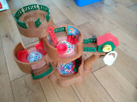 Sylvanian Families Tree House and teapot ride