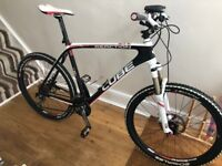 CUBE REACTION PRO COMPOSITE SERIES GTC MOUNTAIN BIKE - WHITE,RED & BLACK - IMMACULATE RARE MODEL