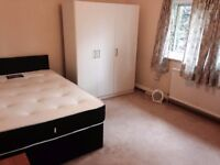 Double room to rent in M6