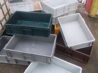 PLASTIC INTERLOCKING STORAGE CRATES IDEAL FOR GARAGE TOOLS OR PARTS