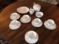 Vintage Tuscan, Woodside 22 piece tea service