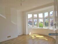 3 bedroom house in Ringwood Way, London, N21 (3 bed) (#1091778)