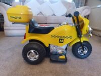Kids Electric/6V Ride on Bike. Excellent condition. Sounds & flashing lights, Fwd & reverse mode.