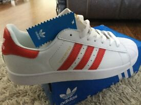 Men's Adidas superstar size 9