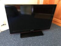"""SAMSUNG 32"""" LE32B530P7W LCD TV FULL HD FREEVIEW BUILT-IN + REMOTE FULLY WORKING"""