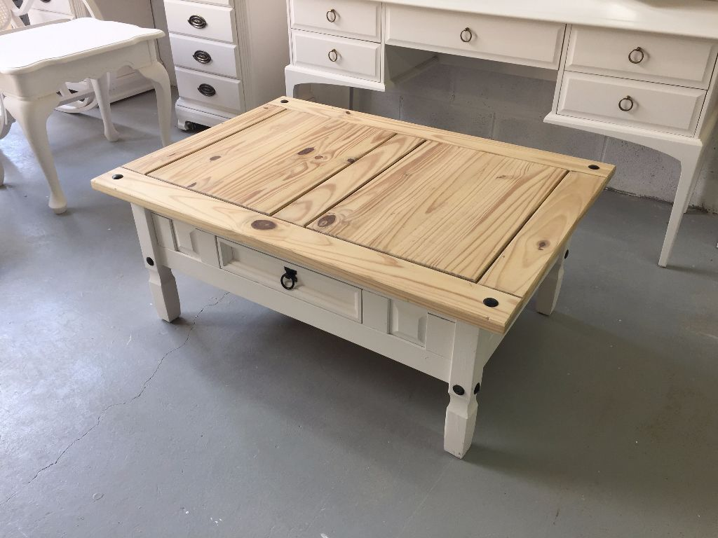 Large mexican pine coffee table newly refurbished for Pine coffee table