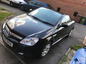Black Vauxhall Tigra 1.4i 16v 2dr convertible