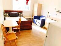 STUDIO FLAT AVAILABLE IN WALTHAMSTOW E17 4JH ALL BILLS INCLUDED