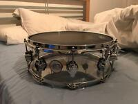 DW Performance Series acrylic snare drum (good as new)