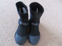 New size 4 Gul wetsuit boots 5mm