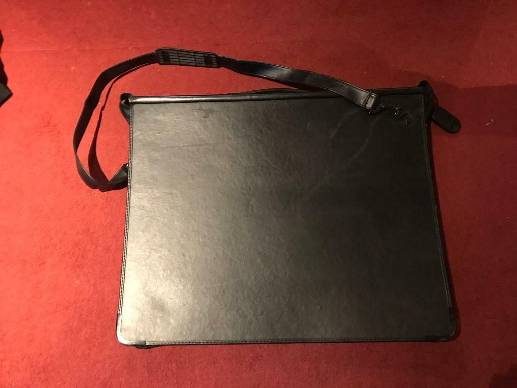 A2 portfolio with sleeves