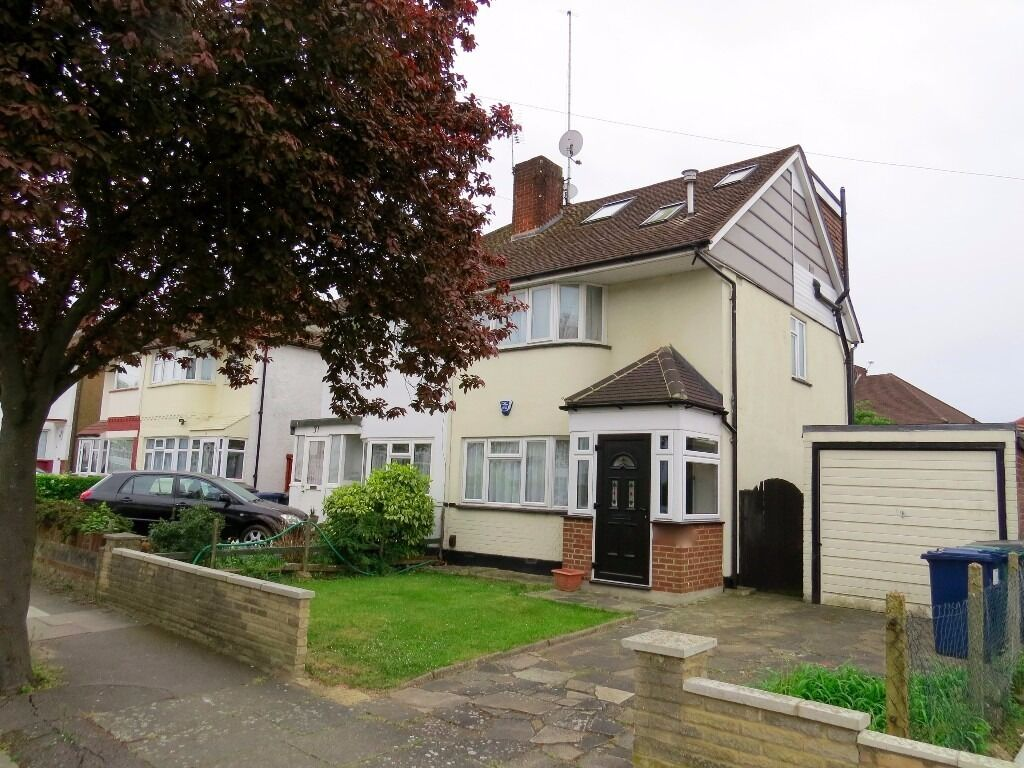 A modern clean 4 bedroom semi detached house in Lee Road Mill Hill East NW7 available now £ £2075pw