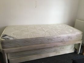 Single bed with bed underneath (Trundle Bed)