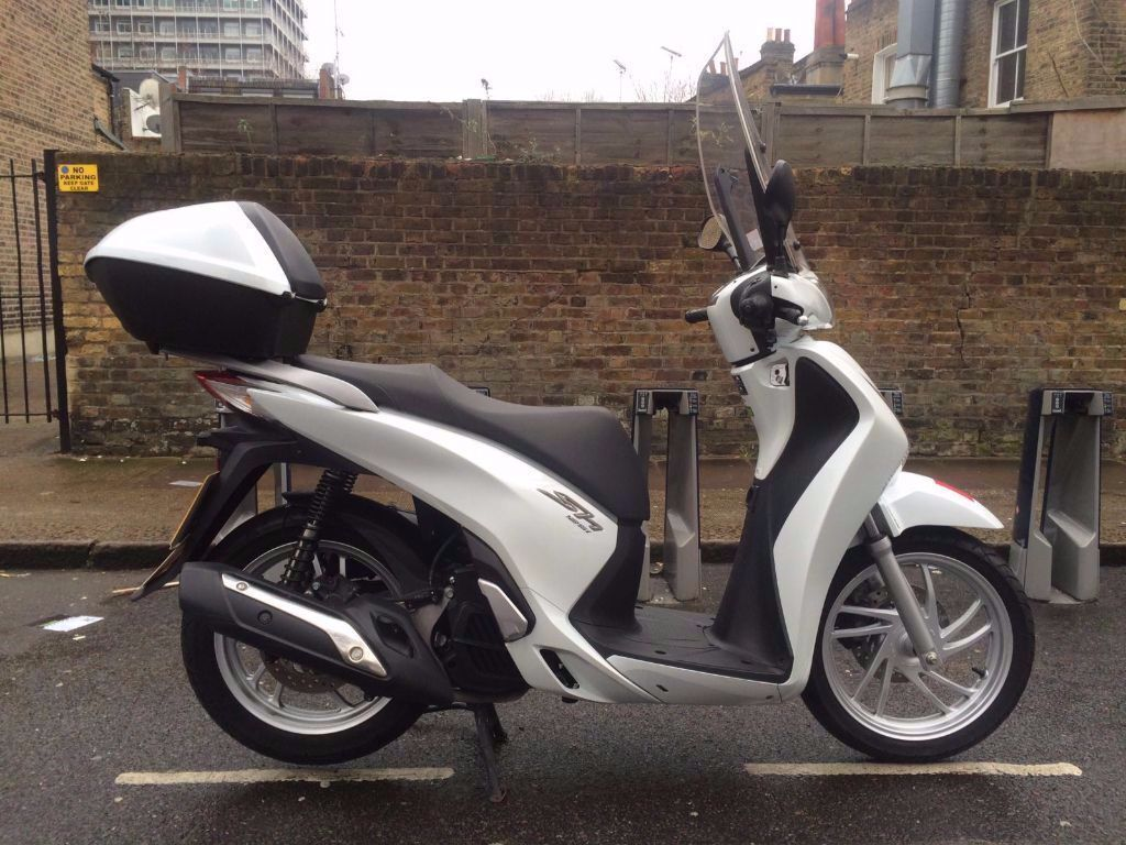 honda sh 125 white 2014 price reduction 2400 in hammersmith london gumtree. Black Bedroom Furniture Sets. Home Design Ideas