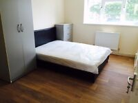 AMAZING DOUBLE ROOM AVAILABLE IN ZONE 1!! ALDGATE! BILLS INCL