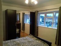 A lovely large double bedroom fully furnished located in the area of Stanwell. Single person only.