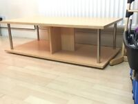 Coffee Table in Light oak / Modern & Stylish / Nice condition / Rarely used / Need space :))