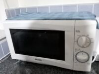 Microwave in Excellent condition for sale