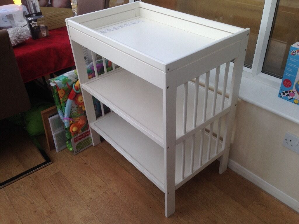 Brand New Fully Assembled White Ikea Baby Changing Table In  # Meuble Tv Kaorka Ikea