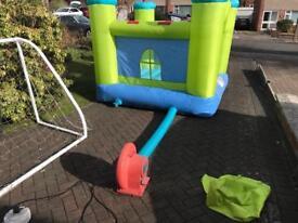 Children's bounce castle