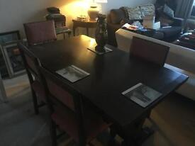 Superb Extendable Dining Table and Six Chairs
