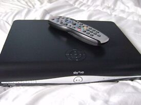 SKY HD BOX SLIMLINE WITH REMOTE IN GOOD WORKING ORDER