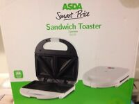 White Electric Sandwich Toaster