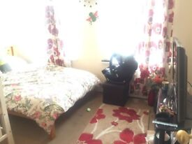 ONE LARGE MASTER BEDROOM FOR RENT AT LEYTONESTONE