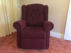 NEW!! HSL Hampton Relax Comfort Chair Petite Size Colour - Boucle Wine