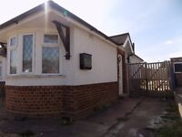 Refurbished Studio Bungalow with Parking - Icknield Area - Available Now - No DSS