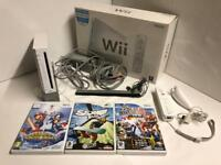 Nintendo Wii, 3X games and accessories Excellent condition like new