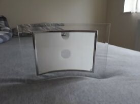 Curvy picture frame